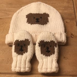 Baby Gap Bear Hat and Mittens. EUC - Worn Once!!